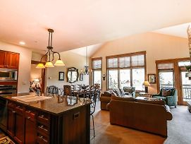 Ski In/Out Penthouse W/ Balcony, Hot Tub & Pool! photos Exterior