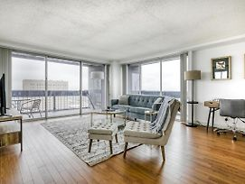 Panoramic Downtown Views In Spacious Corner Apartment By Lodgeur photos Exterior