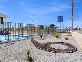 Motel 6 Moreno Valley / Perris photos Exterior