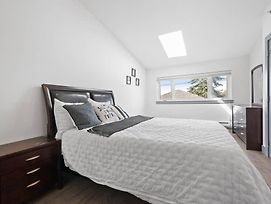 Fraserview Home 2Bed Near Buses To Dt photos Exterior