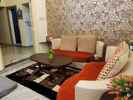 Aditya Premium Homestay- Furnished Air Conditioned- 2Bhk photos Exterior
