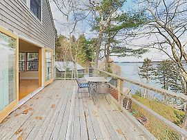 New Listing! Waterfront Hideaway W/ Modern Updates Cottage photos Exterior