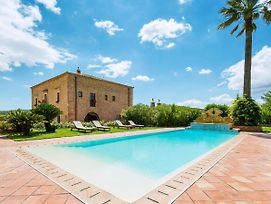 San Michele Di Ganzaria Villa Sleeps 17 Pool Wifi photos Exterior