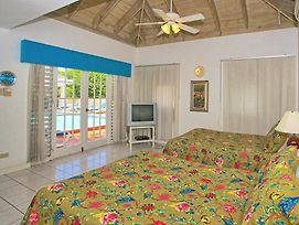 Private Pool, Cook/Housekeeper Inc Free, 7 Mins Walk To Beach, 4 Beds, 2 Bdrms, photos Exterior