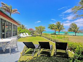 Seafront, Relaxing, Free Cook & Housekeeper, Gated Community, 2 Beds, 2 Bdrms, photos Exterior
