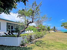 Seafront, Housekeeper/Cook Free, Gated Community, 8 Beds, 5 Bdrms, photos Exterior