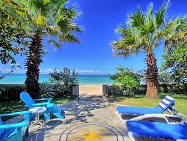 On Beach, Free Kayak, Newly Refurbed, Cook, 2 Big Beds, 4 Guests, photos Exterior