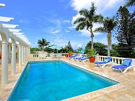 Pool, Cook/Housekeeper, Exquisitely Roomy Villa , 4 Beds, 4 Bdrms, photos Exterior