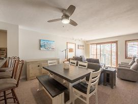 2Br/3Ba- View Of Mt Crested Butte & Fireplace Condo photos Exterior