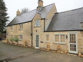 Little Lyne Cottage - One Bed Near Oxford New Listing photos Exterior