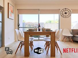 Quiet Garden City Unit - Free Wifi & Parking photos Exterior