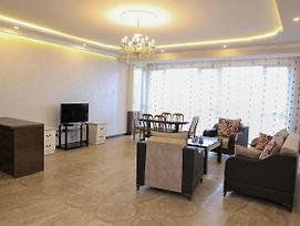 Exlusive 2 Bedrooms Apt. With A Great View New Building City Center Apartment In Yerevan photos Exterior