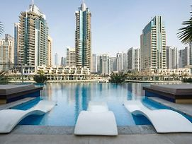 Urban Apartment With Stunning Infinity Pool By Guestready photos Exterior