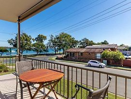 Smooth Sailing! Great Water Views On Welsby Parade photos Exterior