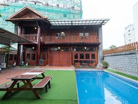 Villa Vintage, 6Bdrs, 4Wc, Pool, Karaoke, Big Garden In D2 photos Exterior