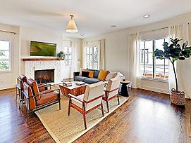 All-Suite Townhome W/ Designer Furnishings Townhouse photos Exterior