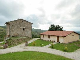 Quaint Farmhouse In Gubbio With Swimming Pool photos Exterior
