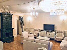Royal Two Bedroom Apartment With Terrace & Jacuzzi photos Exterior