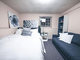 Cozy 2Bed Suite - 4Min To Skytrain-The Best Value photos Exterior