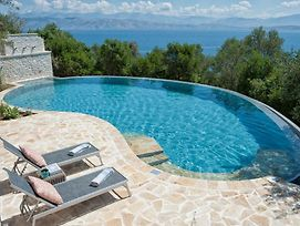 Kassiopi Villa Sleeps 6 Pool T820117 photos Exterior