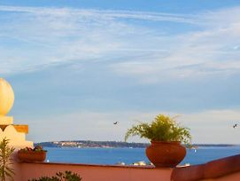 Very Large Apartment With Sea View In The Suquet District Of Cannes photos Exterior