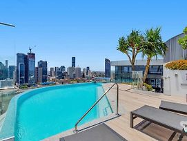 Luxury River View 2 Bed Apt South Brisbane 038-21 photos Exterior