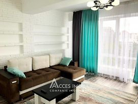 Quiet And Bright Apartment In The Downtown photos Exterior