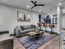Beautiful New Fully Furnished Condo-#301 photos Exterior