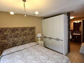 Ideal For Couples, With Large Garden. Additional Single Bedroom Available On Rq photos Exterior