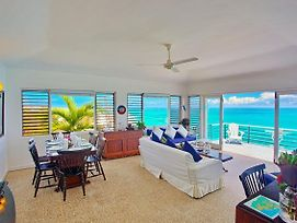 Spectaclular Seafront View, Pool, Cook/Housekeeping, 2 Beds, 1 Bdrm, photos Exterior