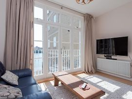 Riverside 4Br Apartment Near Canary Wharf By Guestready photos Exterior