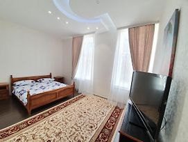 Bodoni Lux Apartments 2-Rooms Ultracentral In The Heart Of Chisinau photos Exterior