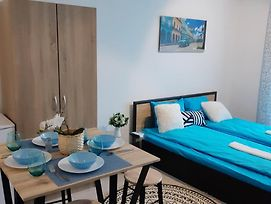 Studio With 3 Beds With Parkplace photos Exterior
