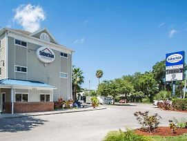 Suburban Extended Stay Hotel Airport photos Exterior