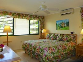 Seafront, Free Cook & Housekeeping, In Gated Community, 4 Beds, 2 Bdrms, photos Exterior