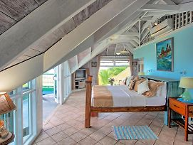 Hot Tub, Chef/Housekeeping, Seafront, Watersports Equipt, 7 Beds, 5 Bdrms, photos Exterior