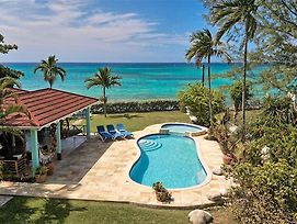 On Beach In Private Grounds, Sleeps 12, Free Cook Inc. 7 Beds, 5 Bdrms, photos Exterior