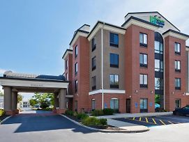 Holiday Inn Express Hotel & Suites Cleveland-Richfield photos Exterior
