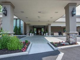 Holiday Inn Mt. Kisco photos Exterior