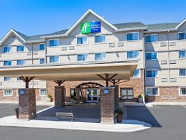 Holiday Inn Express & Suites Fredericton photos Exterior