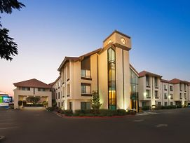 Holiday Inn Express Hotel & Suites Santa Clara - Silicon Valley photos Exterior
