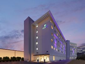 Holiday Inn Express Bengaluru Whitefield Itpl photos Exterior