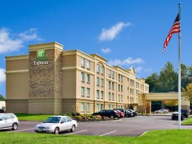Holiday Inn Express Hotel & Suites West Long Branch photos Exterior