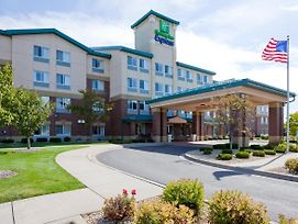 Holiday Inn Express & Suites Vadnais Heights photos Exterior