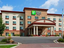 Holiday Inn Express And Suites Wausau photos Exterior