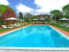 Pieve A Presciano Villa Sleeps 18 Pool Wifi photos Exterior