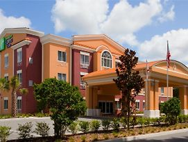 Holiday Inn Express Hotel & Suites Brooksville-I-75 photos Exterior
