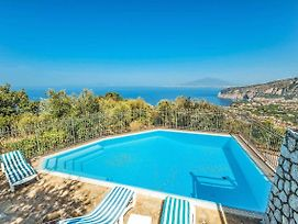 Sant'Agnello Villa Sleeps 2 Air Con Wifi photos Exterior