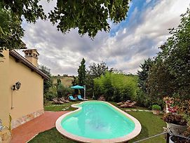 Gorgeous Villa In Casenove With Swimming Pool photos Exterior