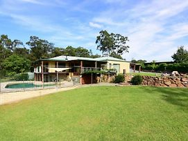 Spotted Gum Retreat - Private Country Home! photos Exterior